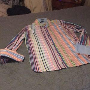 EUC Tommy Hilfiger button up shirt with solid cuff